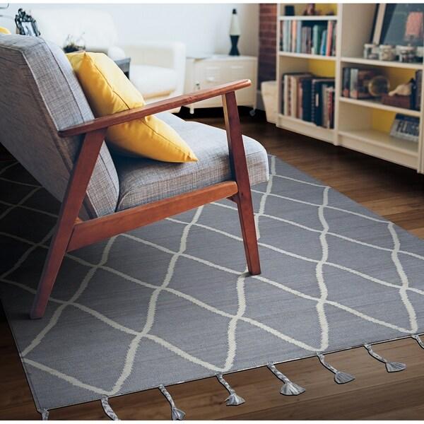 Hand-Woven Segismundo Granada Gray Wool Area Rug - 5' x 8'