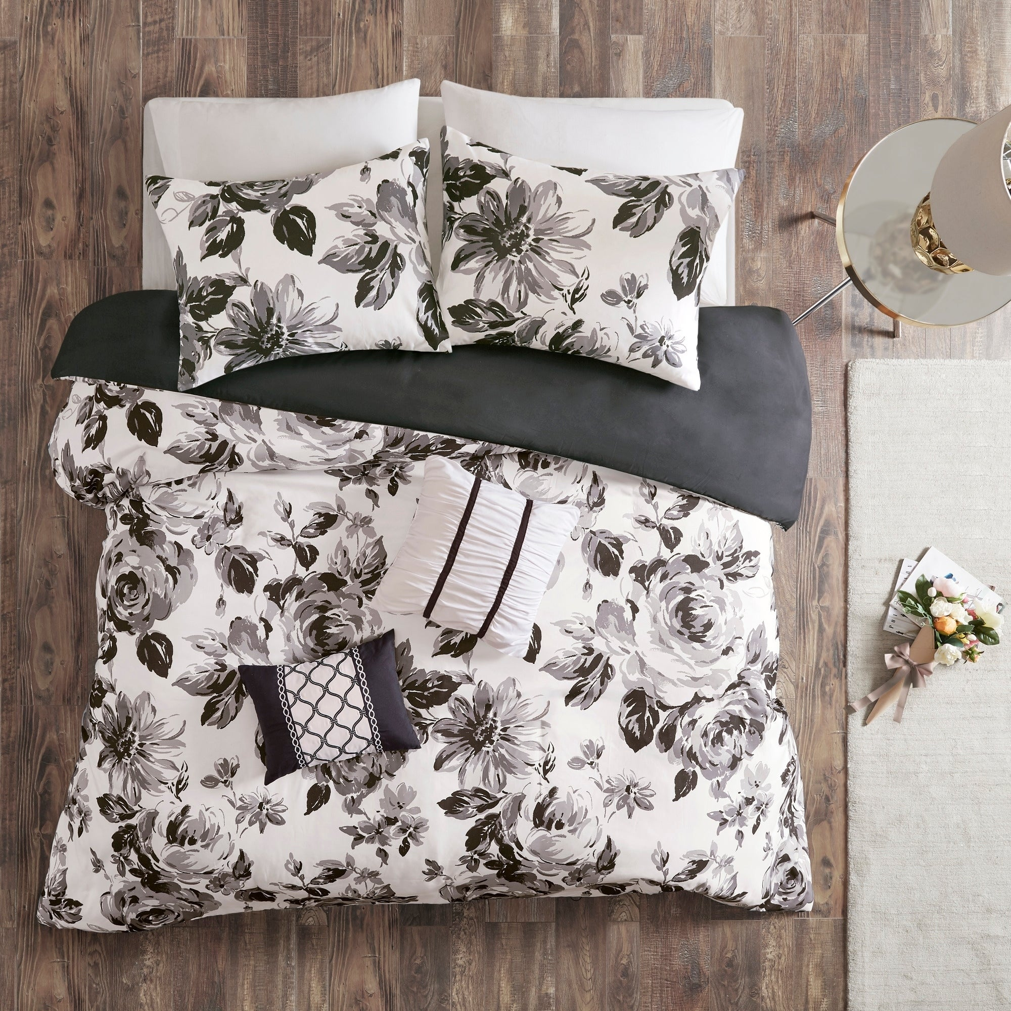 Shop Intelligent Design Renee Black White Floral Print Duvet