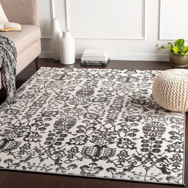 Umberto Grey Updated Traditional Accent Rug - 2' x 3'