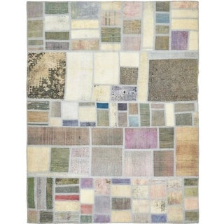 Hand Knotted Ultra Vintage Antique Wool Area Rug - 5' 4 x 7'