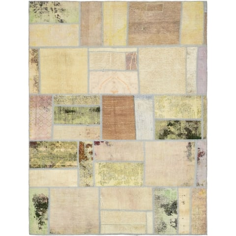 Hand Knotted Ultra Vintage Antique Wool Area Rug - 5' 9 x 7' 10