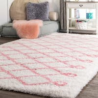 "Oliver & James Eva Diamond Shag Area Rug - 9'2"" x 12'"