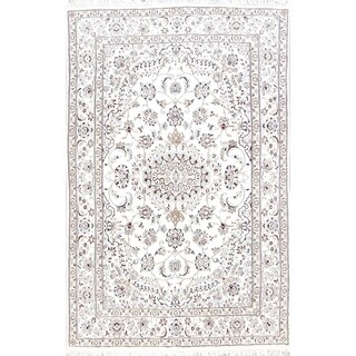 """Hand Knotted Wool and Silk Floral Medallion Nain Persian Area Rug - 7'8"""" x 4'11"""""""