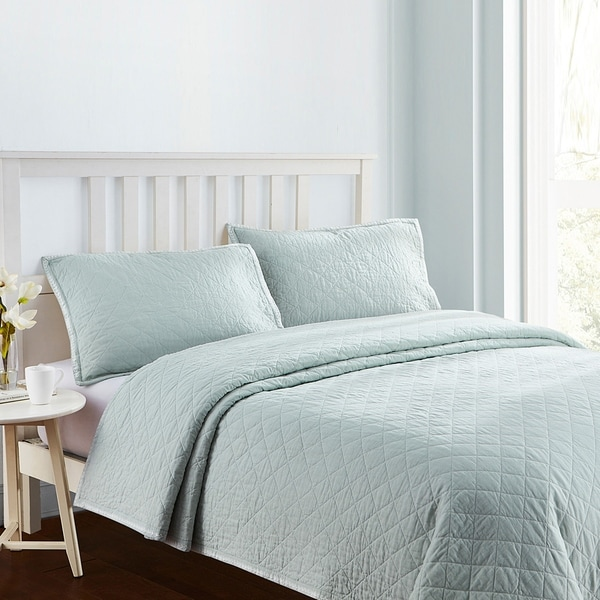 Embroidered Frame Linen Cotton Quilt Set in Light Blue