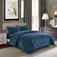 Tiberius Velvet Quilt Set in Blue