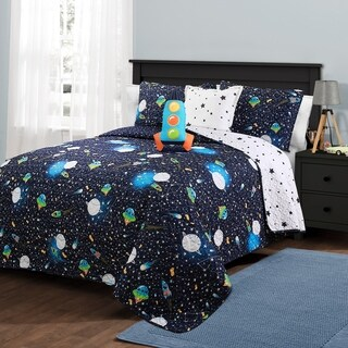 Lush Decor Universe Quilt Set