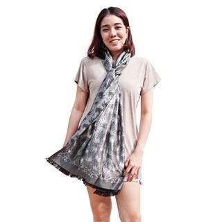Handmade Silvery Royal Elephant 28x68 inch Silk Scarf Shaw (Thailand)
