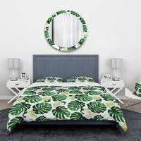 Designart 'Monstera Leaves with Blossoming Exotic White Flowers' Floral Bedding Set - Duvet Cover & Shams