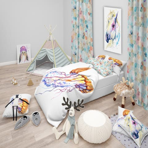 Designart 'Orange Ocean Water Jellyfish' Animal Bedding Set - Duvet Cover & Shams