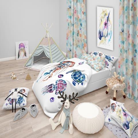 Designart 'Colorful Jellyfish and Turtles' Animal Bedding Set - Duvet Cover & Shams
