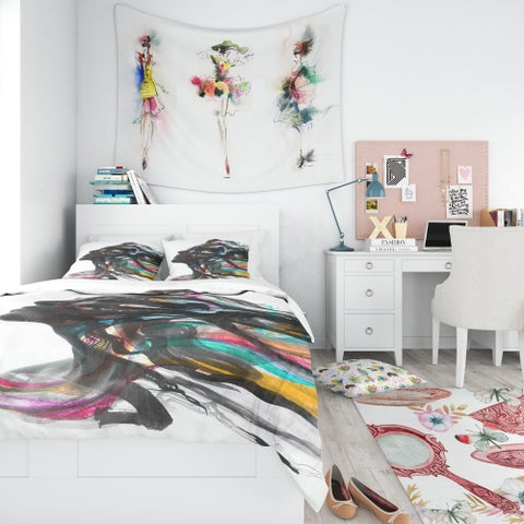 Designart 'Female face combined with painting' Glamour Bedding Set - Duvet Cover & Shams
