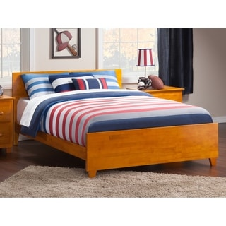 Orlando Queen Traditional Bed with Matching Foot Board in Caramel