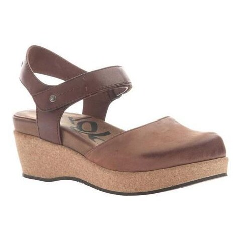 Women's OTBT Elizabeth Closed Toe Sandal Medium Brown Leather
