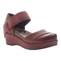 Women's OTBT Wander Out Closed Toe Sandal Sangria Leather