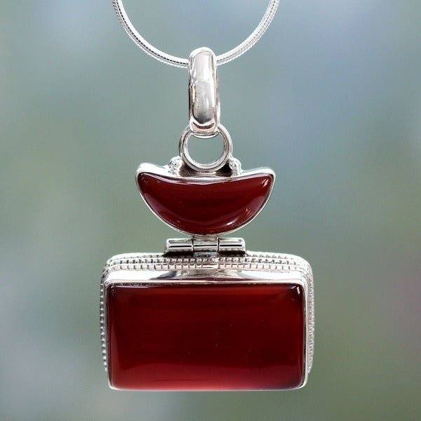 Handmade Crescent Moon Red Onyx Sterling Silver Snake Chain Unique Choker Pendant Necklace (India)