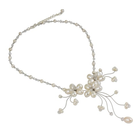 Handmade Bouquet Cascade Flowers of White Freshwater Pearls with Crystal Beads Adjustable Women's Choker (Thailand)