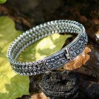 Handmade Sterling Silver Bangle Style Unity Bracelet (Thailand)