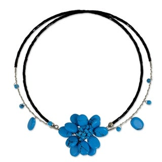 Delicate in Blue Turquoise Resin Stone Flower on Double Black Flexible Wire Womens Beaded Fashion Choker Necklace (Thailand)