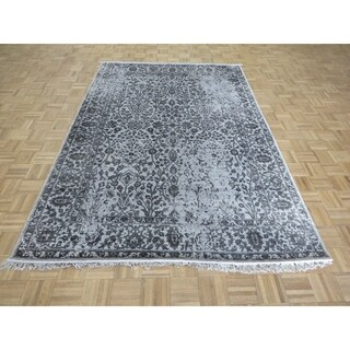 Hand Knotted Gray Tabriz with Wool & Silk Oriental Rug (6' x 9') - 6' x 9'