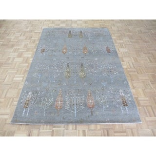 "Hand Knotted Gray Gabbeh with Silk Blend Oriental Rug (5'7"" x 8') - 5'7"" x 8'"