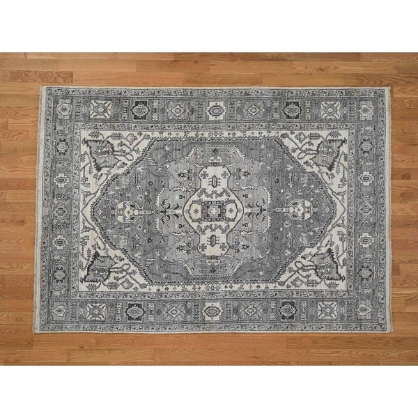 "Hand Knotted Grey Heriz with Wool Oriental Rug (5'7"" x 8') - 5'7"" x 8'"