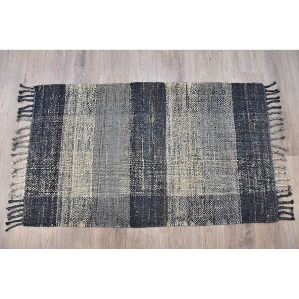 Handmade Braided Black Grey Jute Rug (India) - 5'X8'