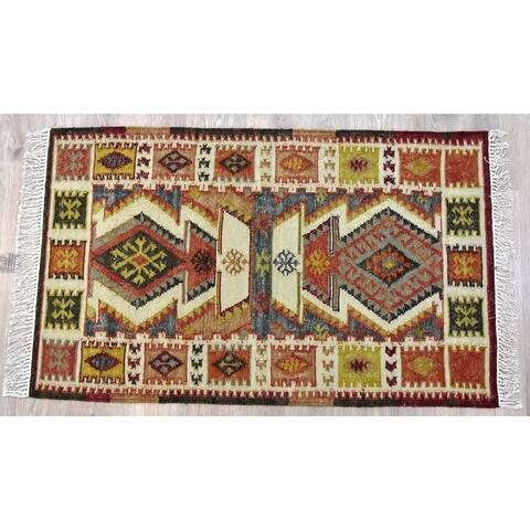 Handmade Kilim Rust Wool and Cotton Rug (India) - 5'X8'