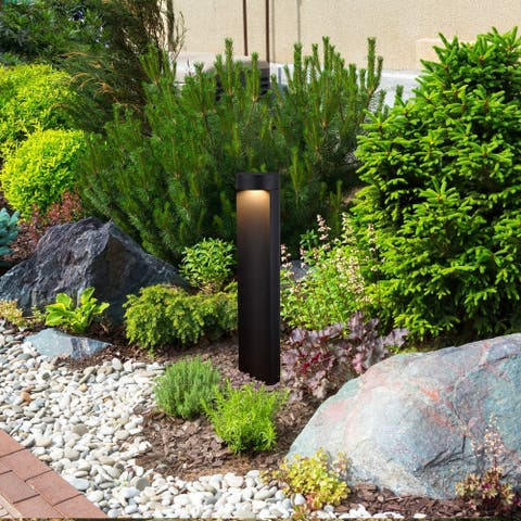 """VONN Lighting 24"""" Modern VOB14756BL Low-Voltage 5-Watt Integrated LED Outdoor Bollard in Matt Black"""