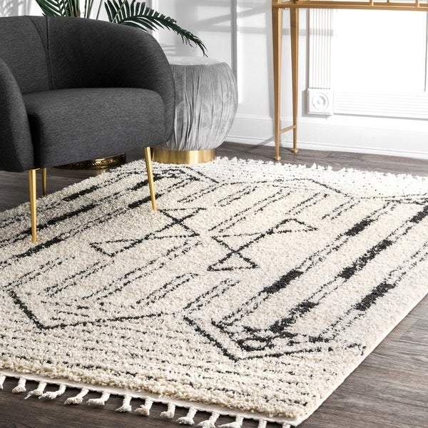 nuLOOM Off White Contemporary Soft Plush Geo Graphic Aztec assel Shag Area Rug