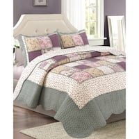 Bedford Lane Collection Ruffle Patch Cotton Quilt Set
