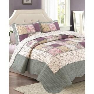 Bedford Lane Collection Ruffle Patch Cotton Quilt Set