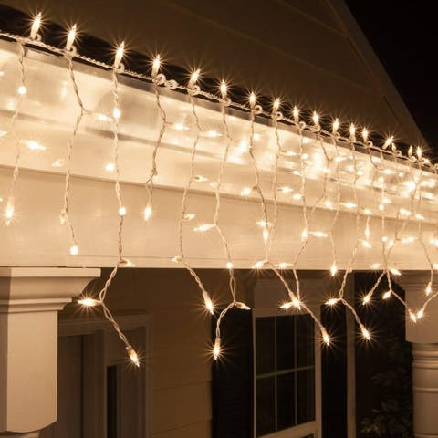 ALEKO Christmas Indoor/Outdoor Icicle Drop String 300 Lights 42 ft Clear