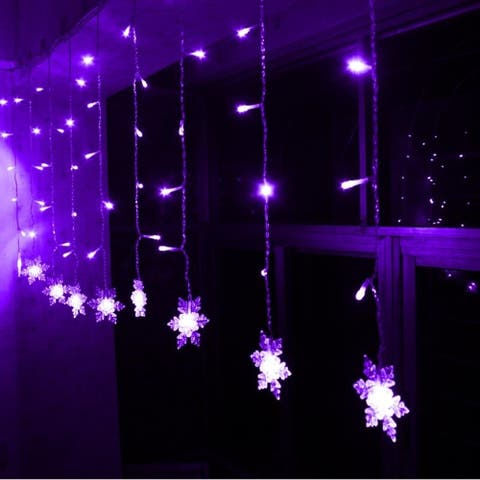 ALEKO Christmas Snowflake Drop Icicle Twinkle 80 LED Lights 5.25 ft White