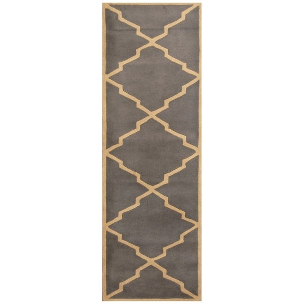 Handmade One-of-a-Kind Trellis Wool Rug (India) - 2'7 x 8'. Opens flyout.