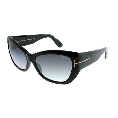 0c7724156c831 Tom Ford Cat-Eye TF 460 Corinne 01C Women Black Frame Grey Gradient Lens  Sunglasses