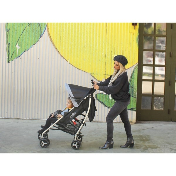 Evezo Maxord, lightweight umbrella stroller with visor