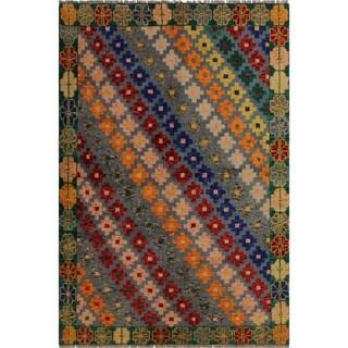 "Balouchi Arya Francois Gray/Green Wool Rug (4'8 x 6'6) - 4'8"" x 6'6"""
