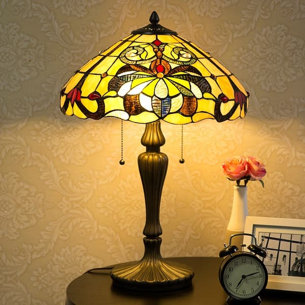 Tiffany Style 16 Lampshade Swirling Shells Table Lamp