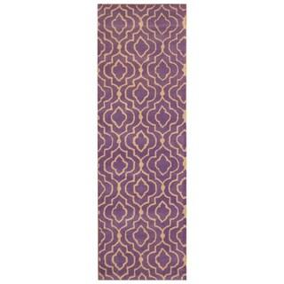 Handmade Trellis Wool Rug (India) - 2'6 x 7'10