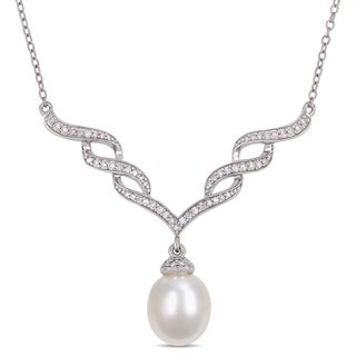 Miadora Sterling Silver Cultured Freshwater Pearl and 1/4ct TDW Diamond Journey Necklace (9-9.5mm)