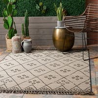 nuLOOM Grey Transitional Indoor/Outdoor Moroccan Trellis Tassel Area Rug