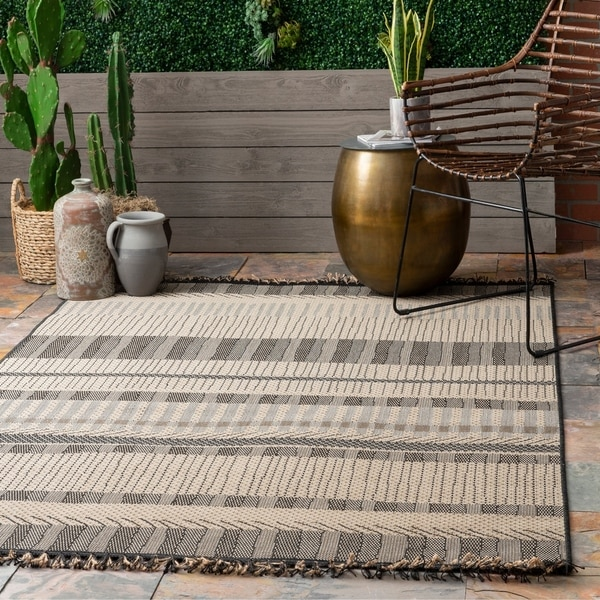 The Curated Nomad Brannan Grey Contemporary Indoor/Outdoor Ombre Striped Tassel Area Rug