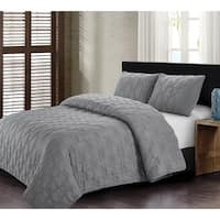 Cleo Quilt Set Gray-Machine Washable - Includes 1 Quilt + 2 Shams - King