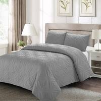 Sienna Quilt Set Gray - Machine Washable - Includes 1 Quilt + 2 Shams - King