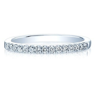 14K White Gold Round Cut Diamond (0.21 ct. t.w) Wedding Band, Size 7