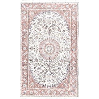 """Floral Medallion Nain Hand Knotted Woolen and Silk Persian Area Rug - 8'2"""" x 5'1"""""""
