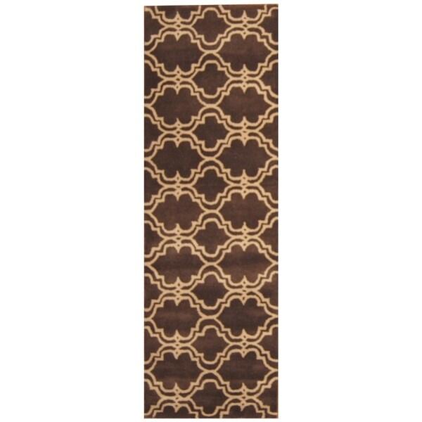 Handmade Trellis Wool Rug (India) - 2'6 x 8'. Opens flyout.