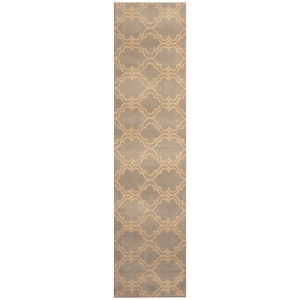 Handmade Trellis Wool Rug (India) - 2'5 x 10'