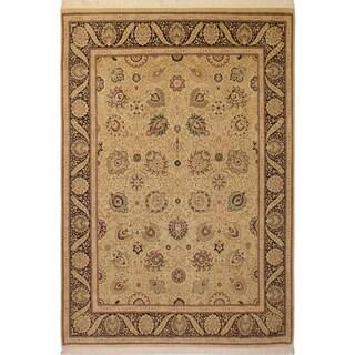 Pak-Persian Annemari Ivory/Black Wool Rug (9'1 x 12'6) - 9 ft. 1 in. x 12 ft. 6 in.