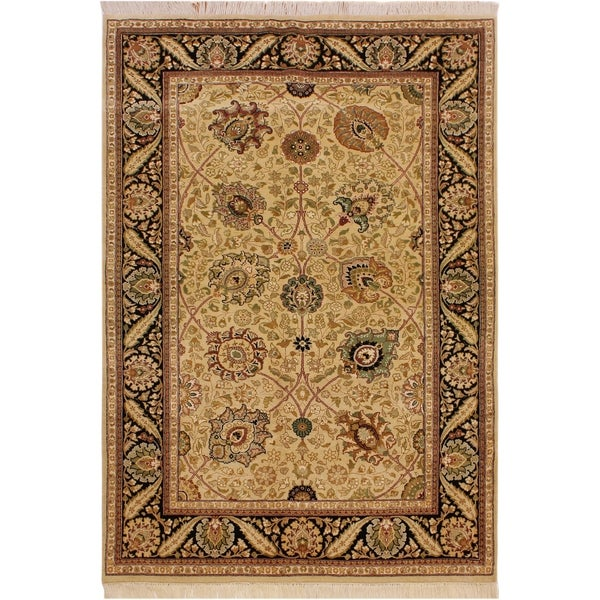 Pak-Persian Amoya Ivory/Black Wool Rug (4'9 x 7'0) - 4 ft. 9 in. x 7 ft. 0 in.